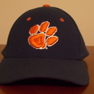 Zephyr Medium/Large Clemson Tigers Hat